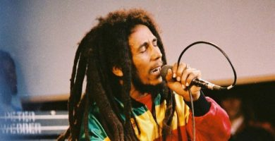bob marley 390x200 - TEXT IN ENGLISH - BIOGRAPHY OF BOB MARLEY #070